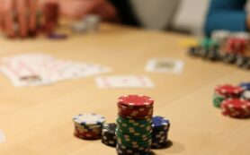 7 Reasons to Play Online Poker